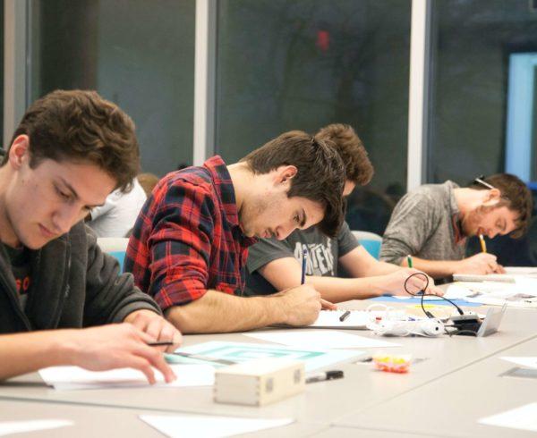 Corsi-di-lingue_Studenti-di-scuola-superiore_Cambridge-mock-test-day_pexels-roxanne-minnish-4514045-scaled.jpg